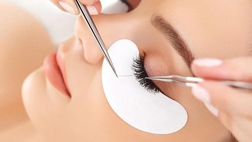 Enhancing Eyelashes